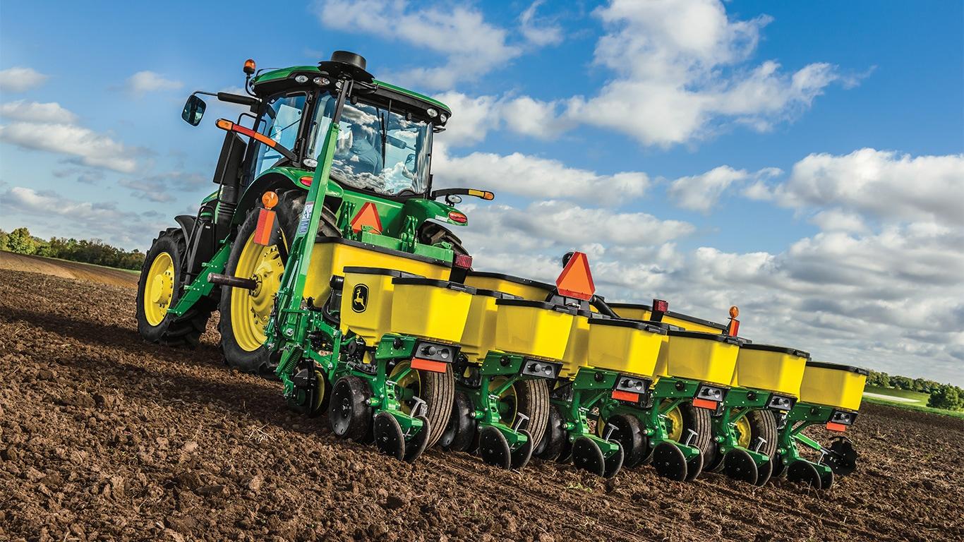 машины для посева и посадки сельскохозяйственных культур демонстрирующие голое плавание